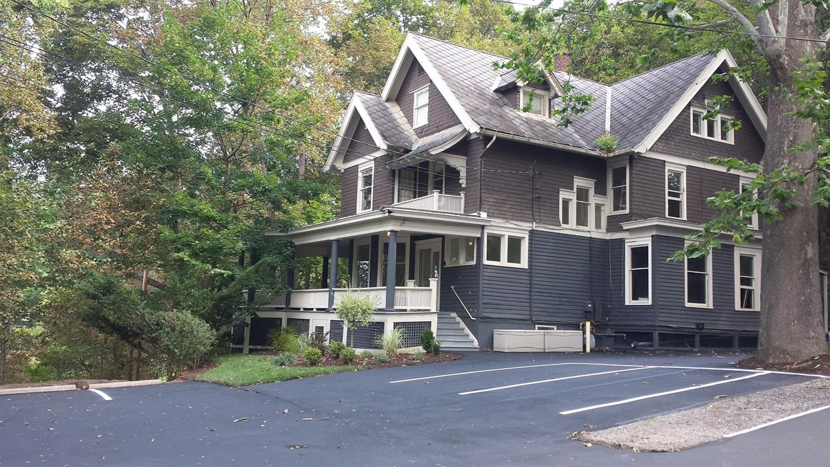 houses to rent near collegetown ithaca 117 Dewitt Place 28
