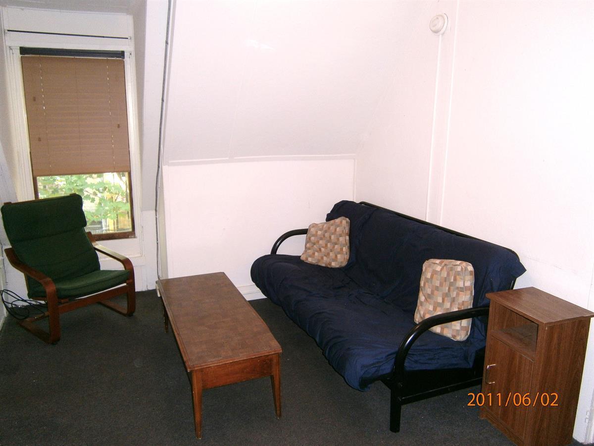 cornell off campus housing 105 Dewitt Place, #8