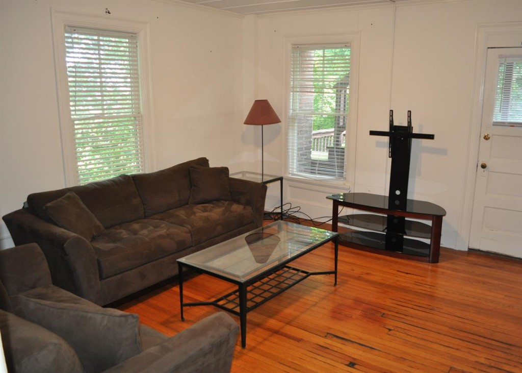 student apartments for rent near collegetown ithaca 102 Highland Place, #4