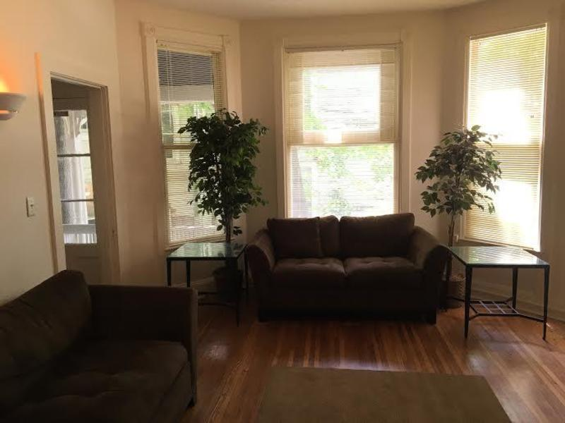 Student apartments for rent in Ithaca 109 Dewitt Place Apartment 2